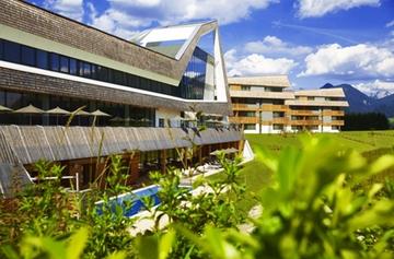 Narzissenhotel Bad Aussee Poolansicht Luttenberger